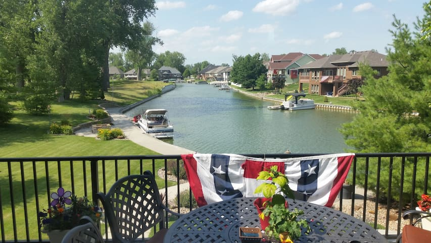 Lake and Golf Course Retreat. - Carter Lake - Casa