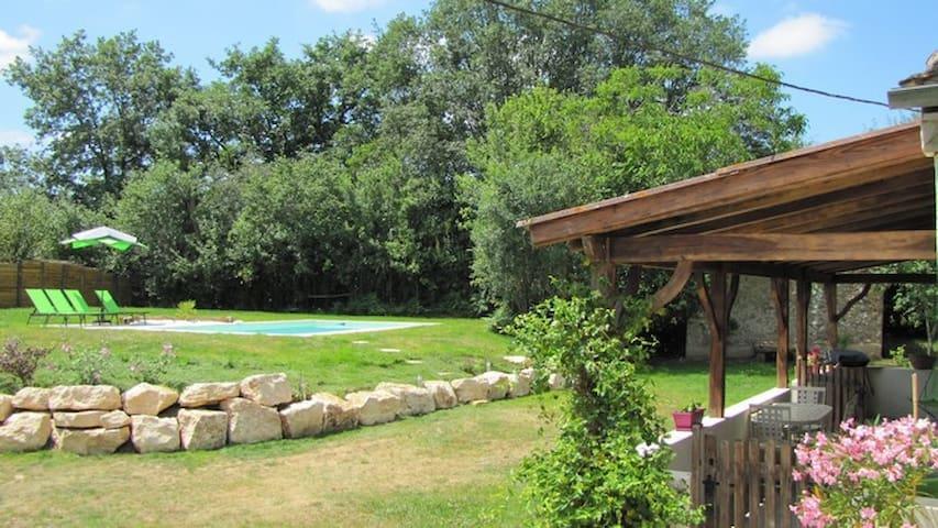 Gîte de TAGE / PISCINE PRIVEE / PERIGORD - Monpazier - Hus