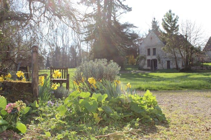 Au château de Paars, la maison du Jardinier. - Paars - Hus