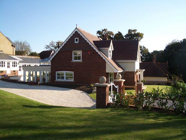 Woodpeckers Bed & Breakfast Lodge - Shanklin