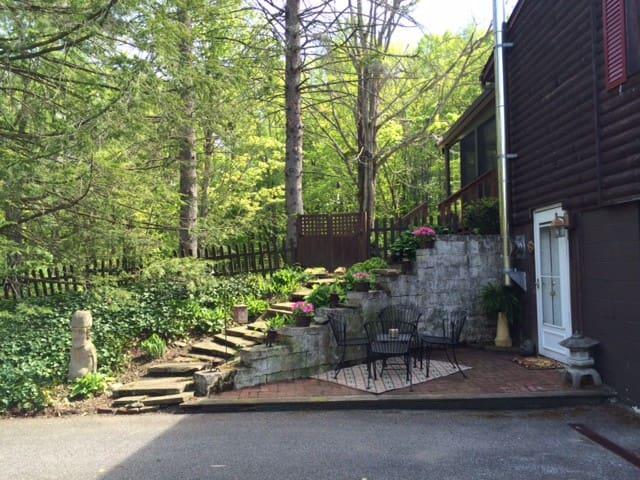 Woodland Retreat - Chesterland - Appartement