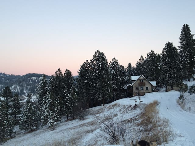 mountain home in beautiful Idaho valley - Garden Valley - Casa