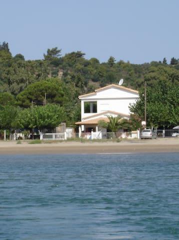 A 30 km d'Olympie, direct sur plage - Katakolo - Appartement