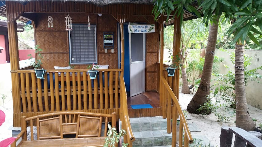Cute cool Blue Kubo near the beach - Anda - Pondok
