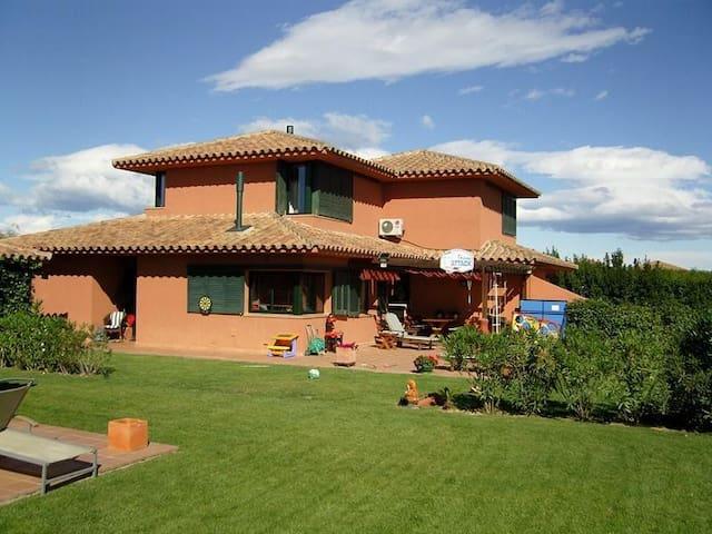 Casa en residencia  golf cerca mar - Navata - Villa