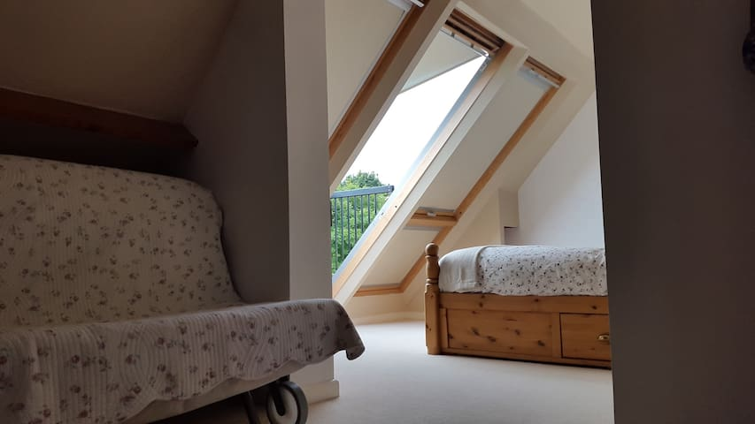 Attic space with a great view - Upper Minety