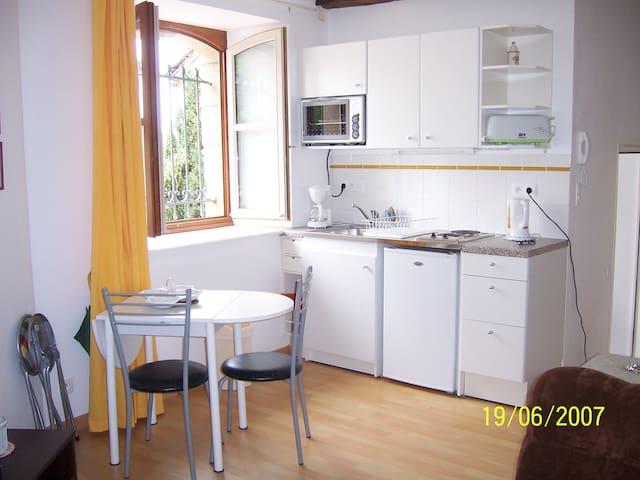 studio en auvergne - Pleaux - Appartement