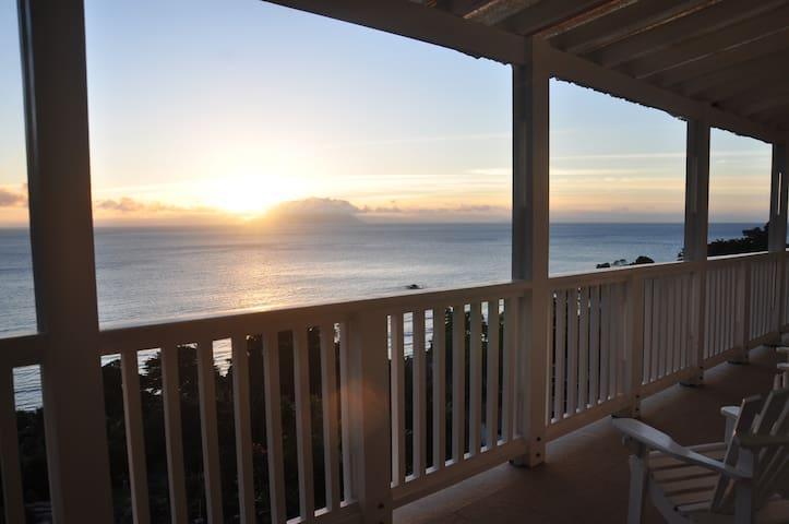 Holidaybungalow  Beautiful sunset ocean views - Beau Vallon - Villa