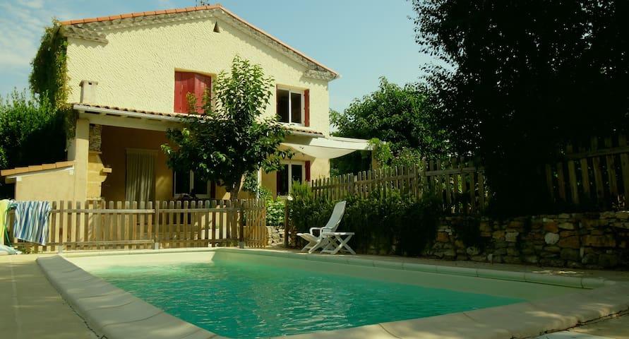 Villa piscine entre Nimes/Uzes/Alès - Moussac - Rumah