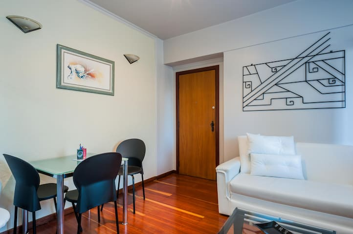 Brand NEW Studio + Wifi + TV and Pool - Belo Horizonte - Lägenhet