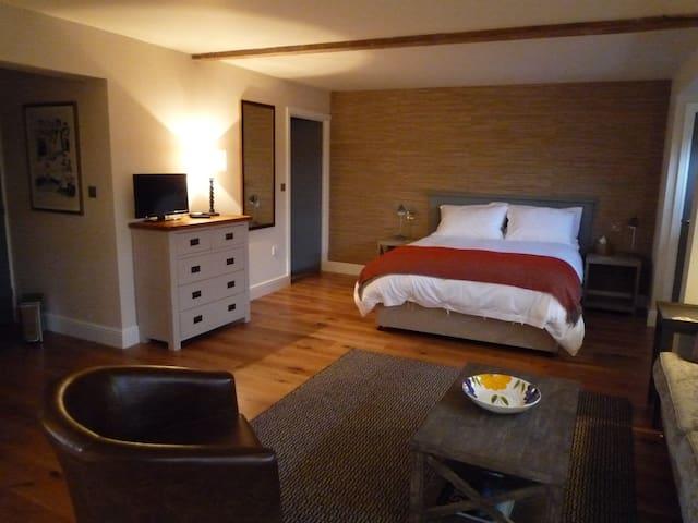 Luxury studio converted little barn - Chelmondiston - Bed & Breakfast