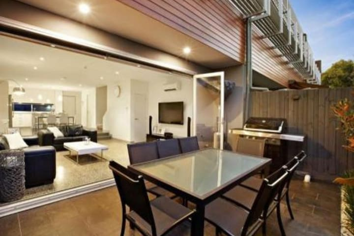 Stylish, modern apartment, great location - Glen Iris - Appartement