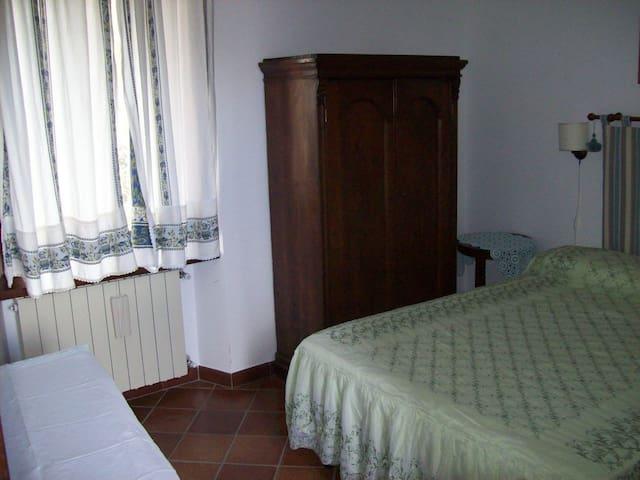 CasaTuccella Camera Monte Bolza - Castel del Monte - Bed & Breakfast