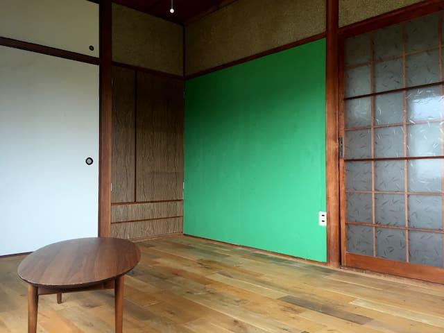 Miyanoura house (flooring room) - Naoshima - Maison