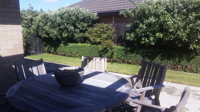 Peaceful space away from home - Blenheim - Casa