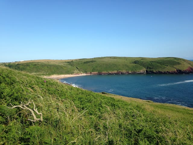 Glamping at Park Farm, Manorbier - Tenby - Barraca