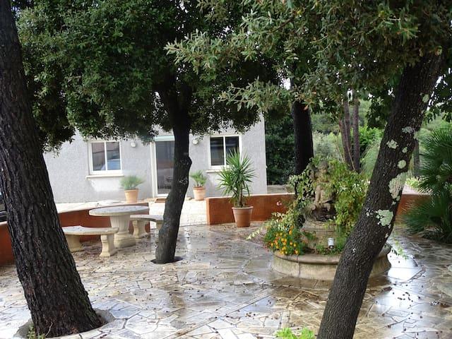 studio 40m2 neuf verdure calme et grande terrasse - Saint-Mathieu-de-Tréviers - Leilighet