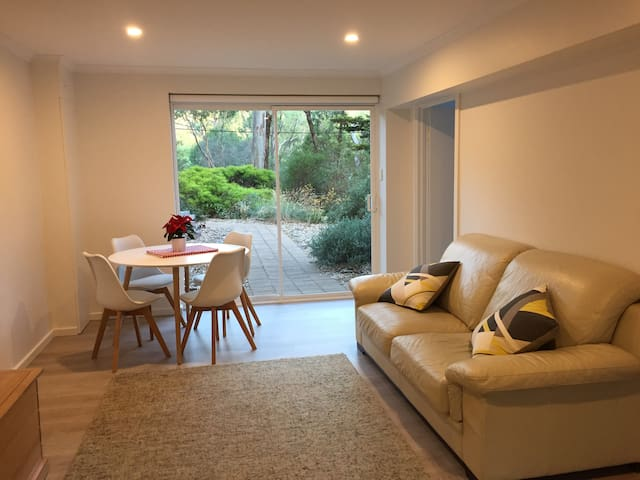 Private apartment in leafy Adelaide Hills - Hawthorndene - Appartement