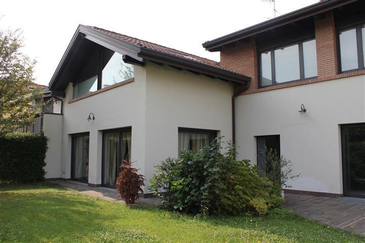 Perfect Villa for Salone del Mobile - Monza - Huis