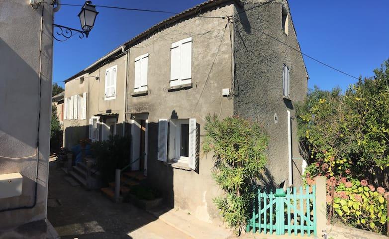 Maison de village en Corse, entre mer & montagne. - Taglio-Isolaccio
