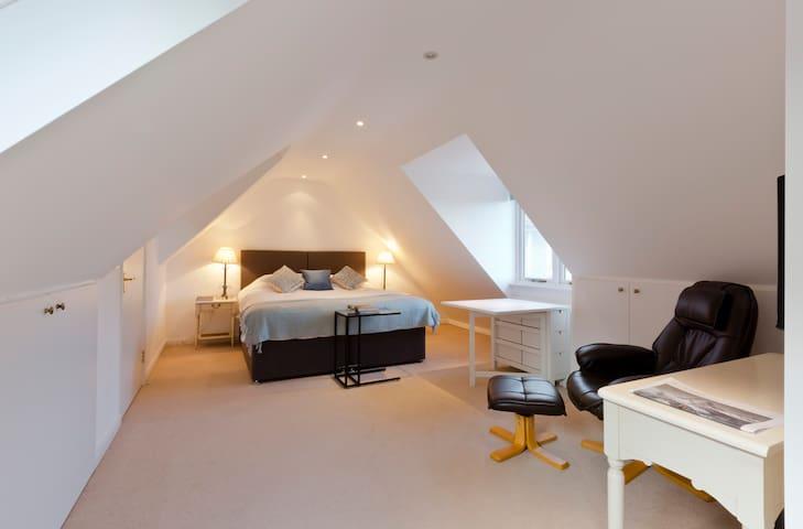 Cosy Studio Flat on Rural Thames - Bourne End