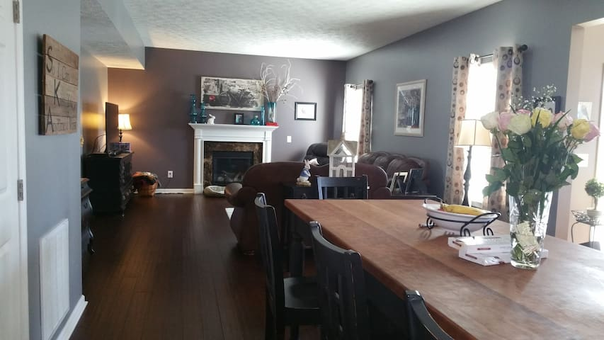 New, clean, creekview, great for families or solo - Ravenna - Hus