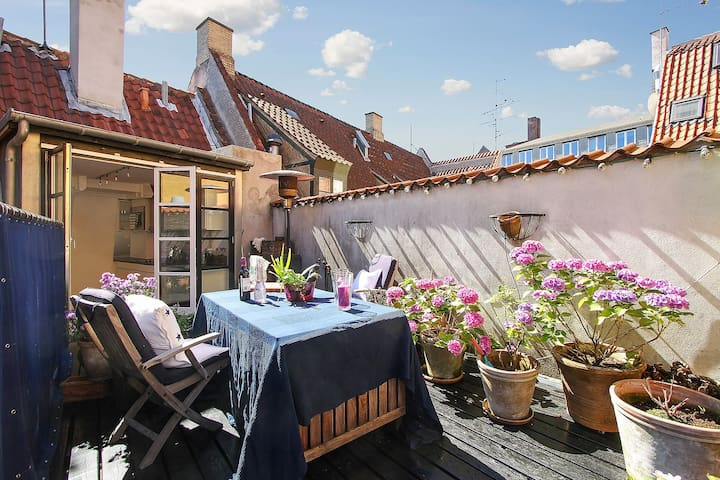Unique City Centre Aptm/ With private roofterrace! - Copenhagen - Apartemen