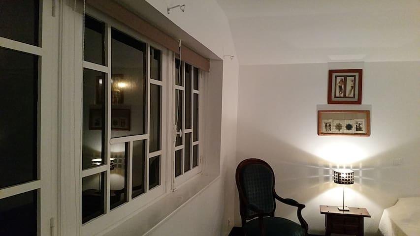 Logement calme et spacieux en centre ville - Douai - Lägenhet