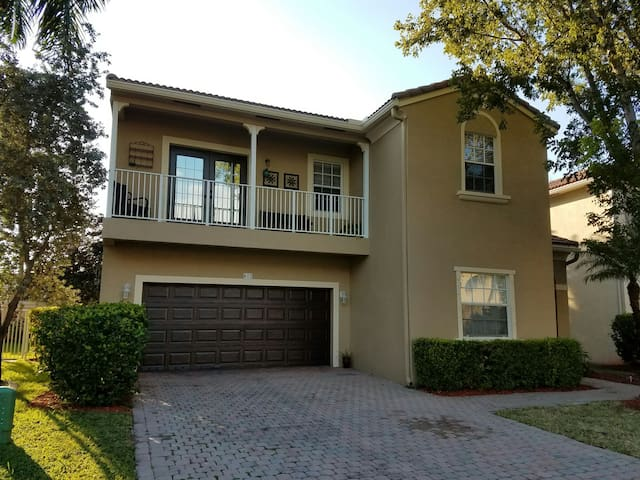 Private Suites,Private Full Baths - Coral Springs - Huis