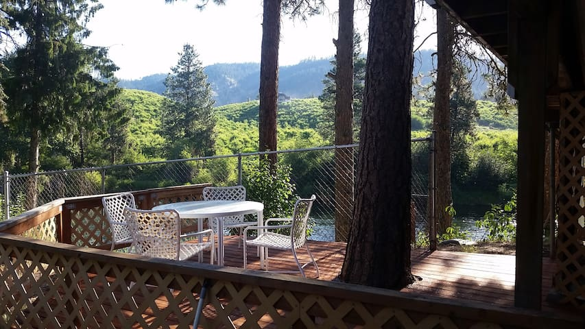 New!  On-the-River Hideaway very close to L'worth! - Leavenworth - Apartemen