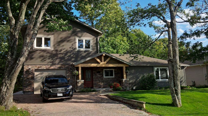 All new! Executive suite with private entrance. - North Bay