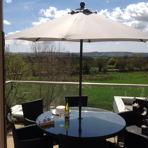 Penthouse in West Sussex with views - Pulborough  - Apartmen