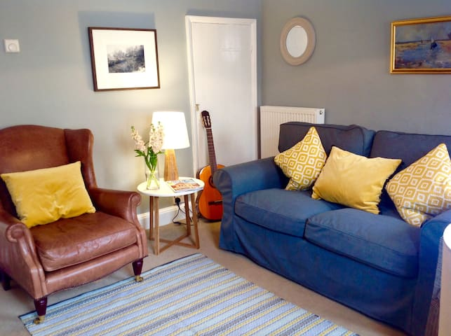 Romantic, cosy Wells cottage, close to harbour - Wells next the Sea - Maison