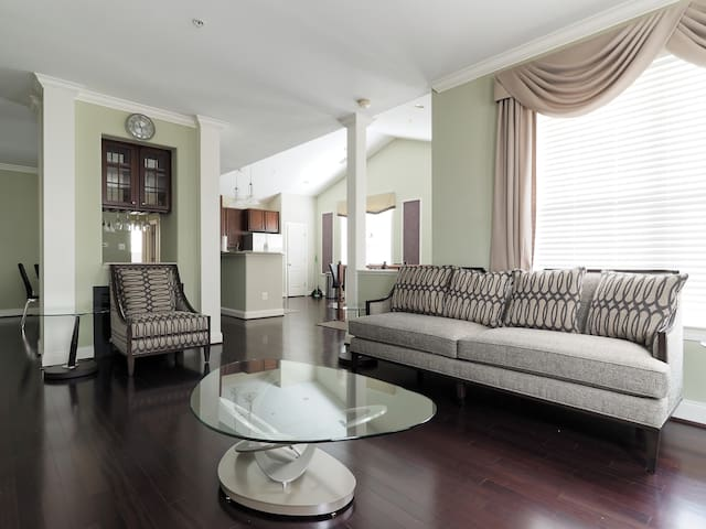 Great Family Home. Excellent for exploring DC & MD - Bowie - Adosado
