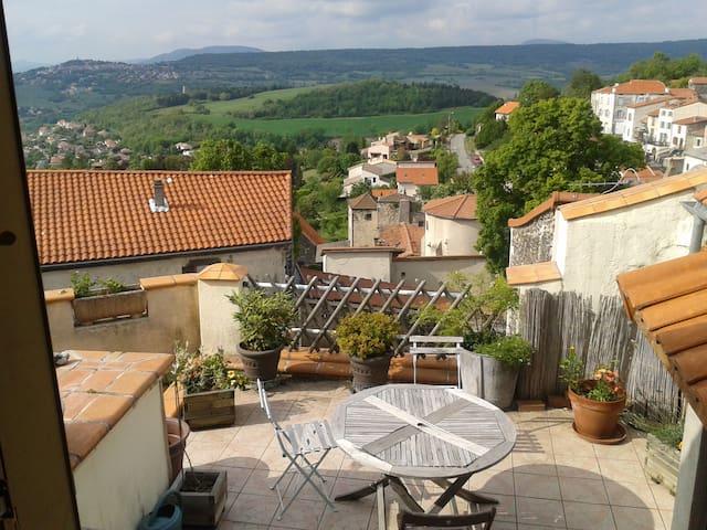 maison de village calme - La Roche-Blanche - Casa