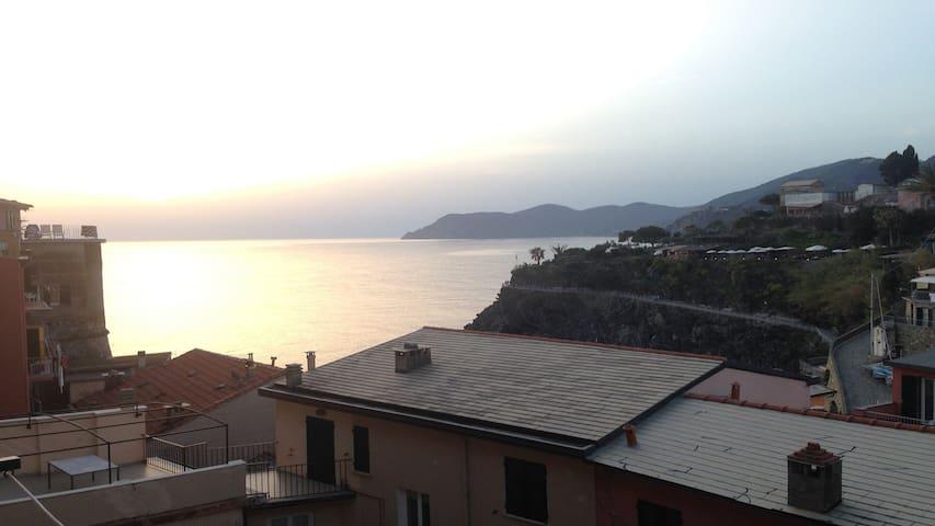 Casa Marcella Cinque Terre-Apartment with sea View - マナローラ - アパート