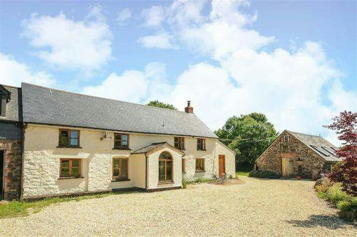 Cosy farmhouse on edge of Exmoor - Dulverton - Casa