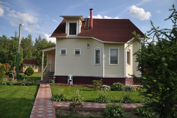 2эт дом и 2эт баня в дачном поселке - Popovo - Hus