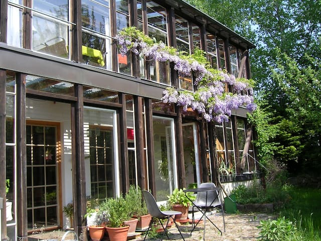 house: eco + bio + sustainable + self made ? - Hochwald - Pension