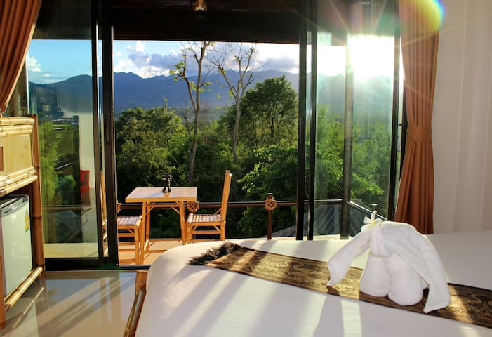 SpaBath Villa+BF+Pick Up+WiFi - Mae Hi - Bed & Breakfast