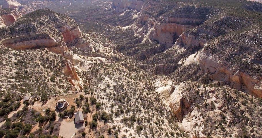 Elkheart Cliffs Ranch - Glendale - Natuur/eco-lodge