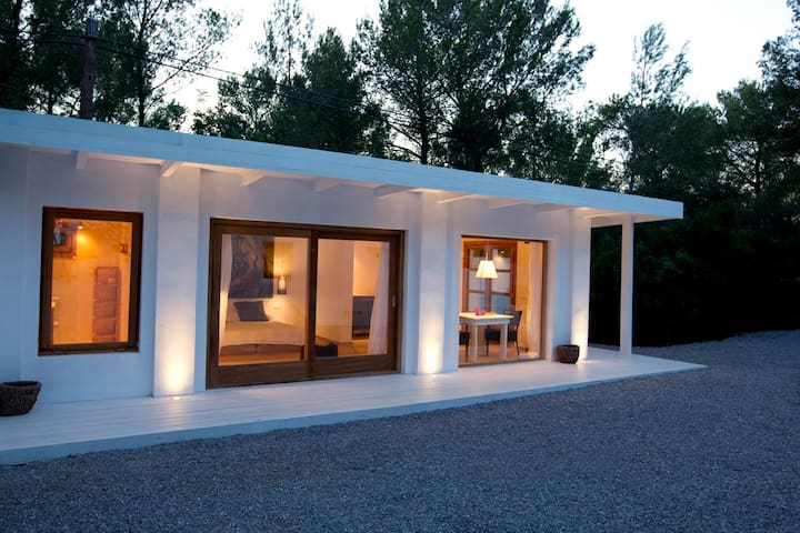 country guest house in a big property - Eivissa - Gästhus