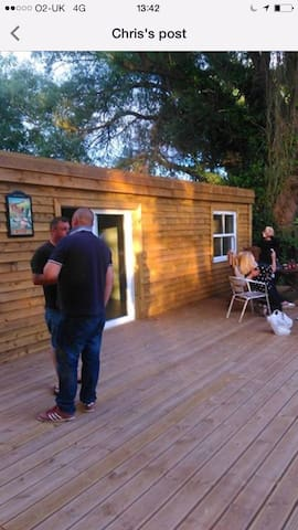 Lakeside Retro cabin with bed and bar fishing - East Riding of Yorkshire - Sommerhus/hytte