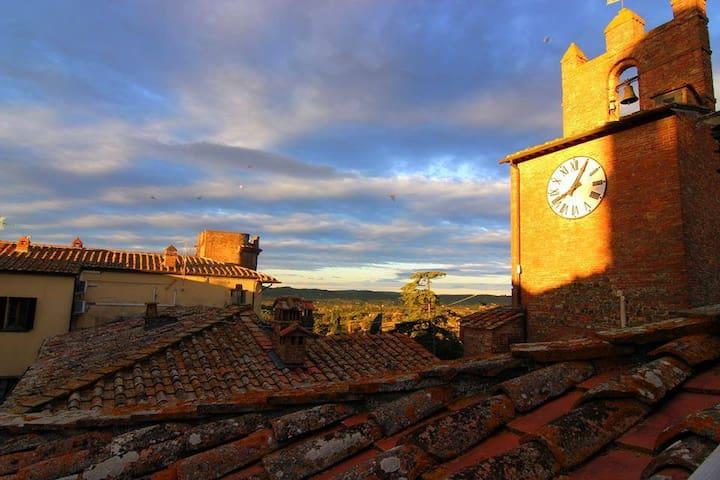 Bellissima dimora toscana con terrazza panoramica - Marciano - Huis