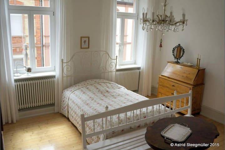 """Speyerquartier - """"Berliner Zimmer"""" - Speyer - Pis"""