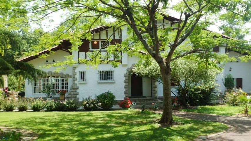Villa de charme en plein coeur du pays basque - Halsou - Villa