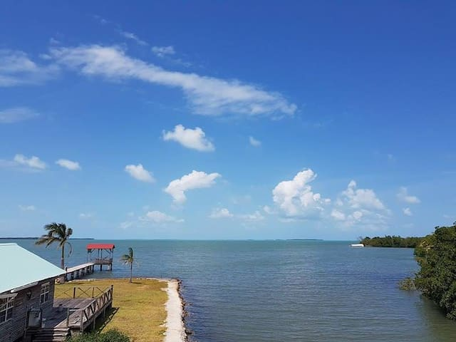 See Belize Relaxing Sea View 2-BR Vacation Rental - Belize City - Appartement