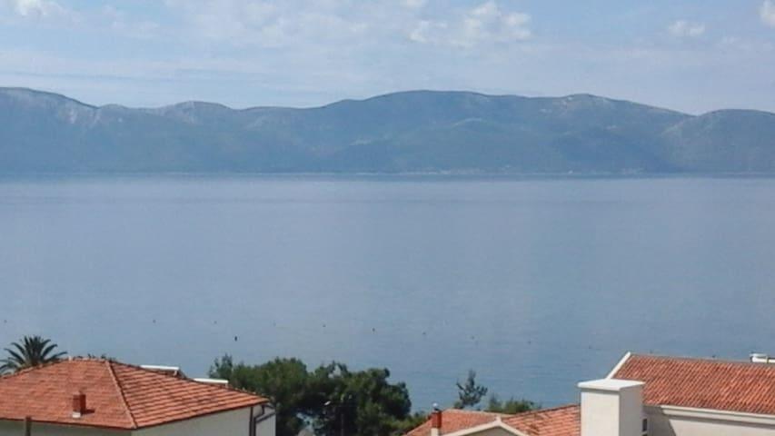 Ljepi apartman sa pogledom na more. - Gradac