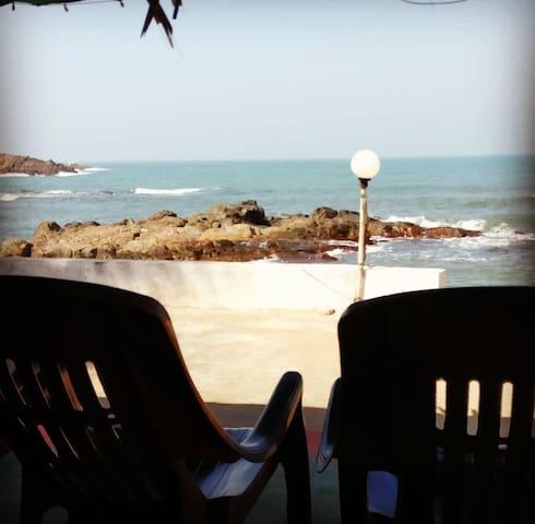 High Tide Holiday Home - Malvan