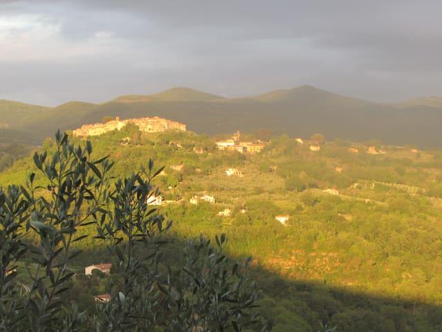 Casale Paula Tina(Poggio S Lorenzo) - Poggio San Lorenzo